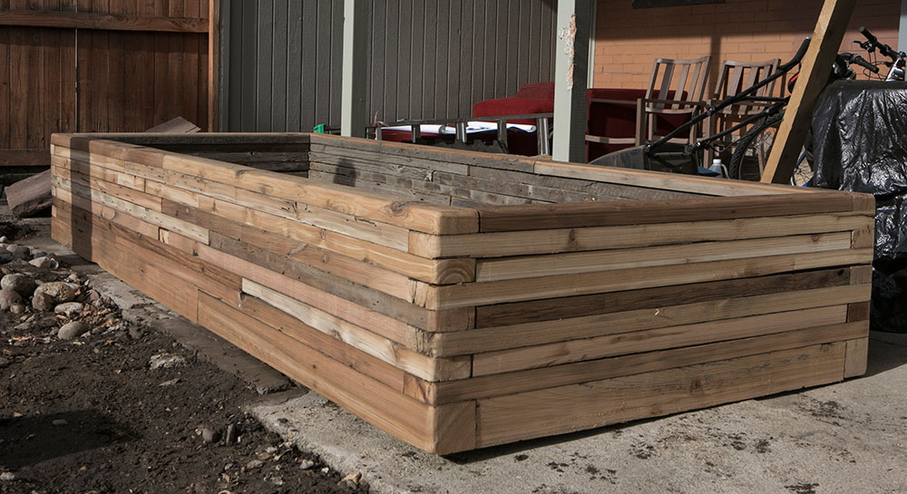 stacked-wood-cedar-planter-reclaimed-planed_4